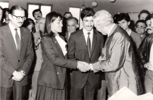 Sema İhtiyaroglu and Murat Soygeniş receive their award from Sedad Hakkı Eldem, 1983